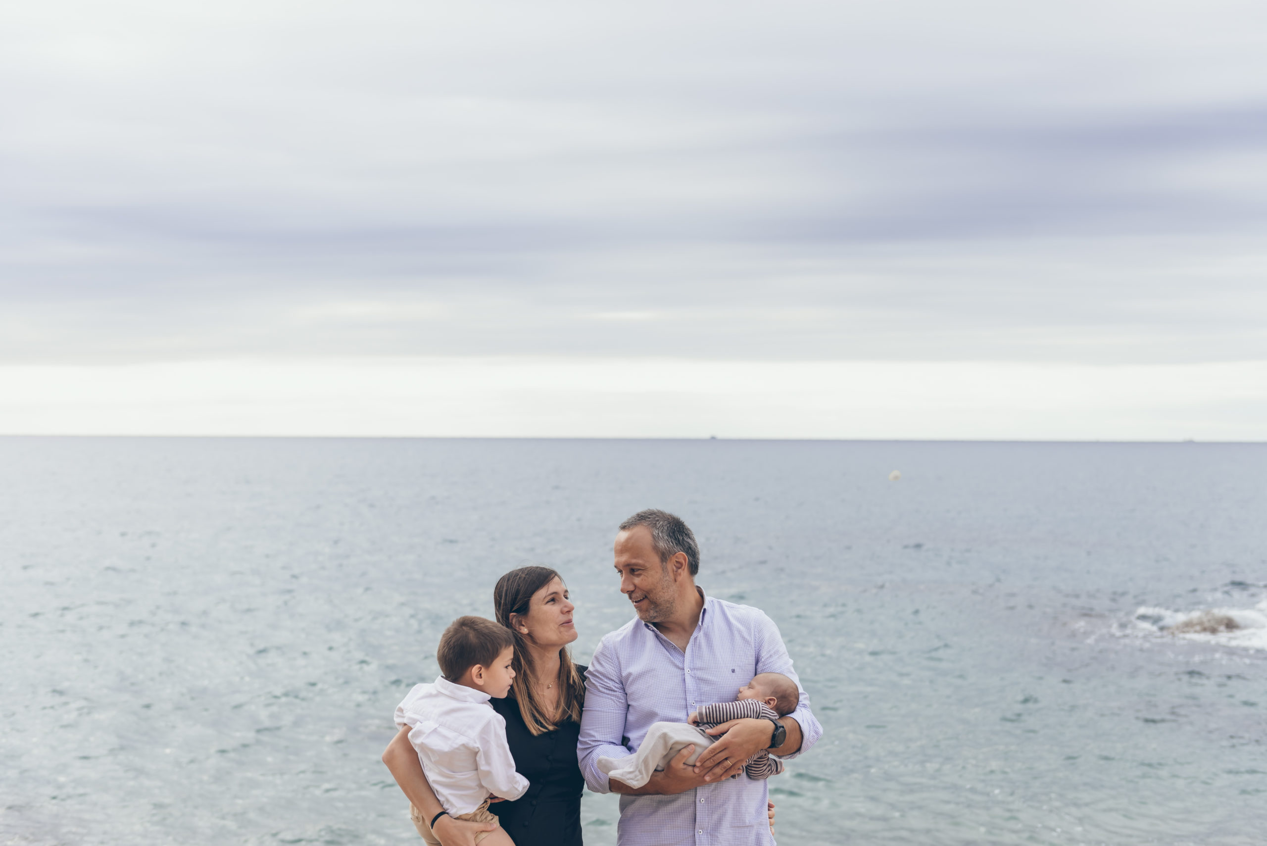 helena-molinos-fotografia-exterior-mar-familia