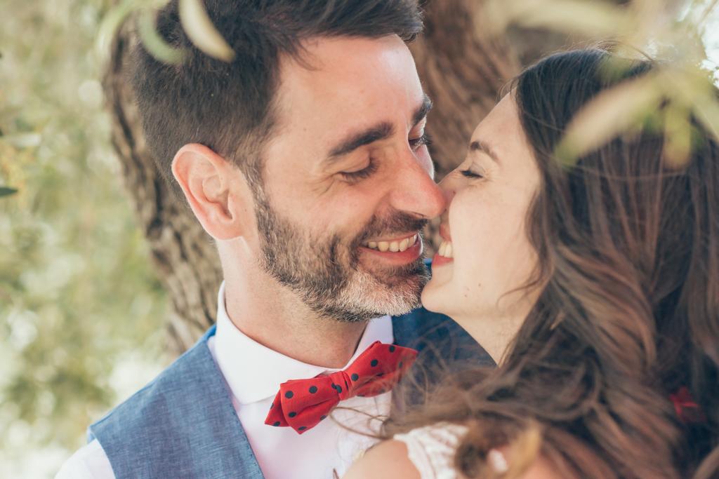 beso-boda-fotografo-pareja