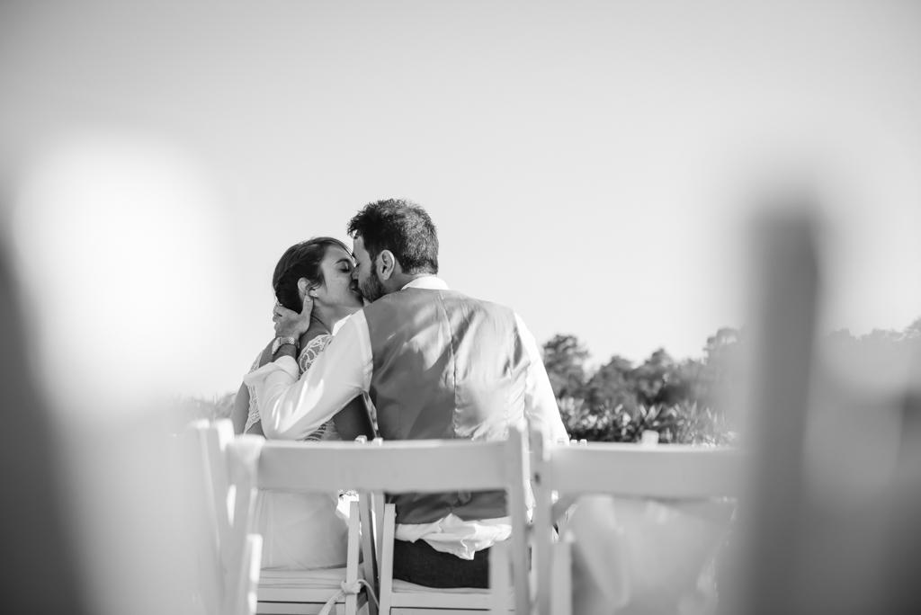 beso-boda-mas-torroella