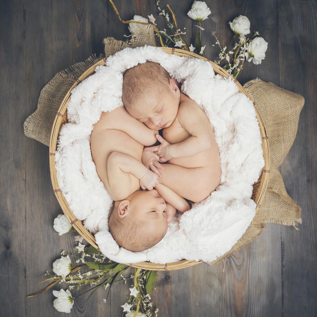 helena-molinos-11-newborn-gemelos-cesto