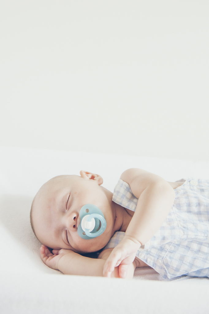 helena-molinos-bebe-chupete