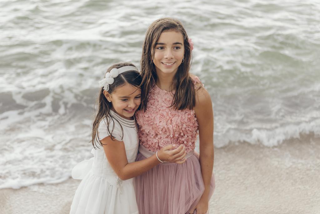 helena-molinos-fotografia-exterior-comunion-playa-hermanas