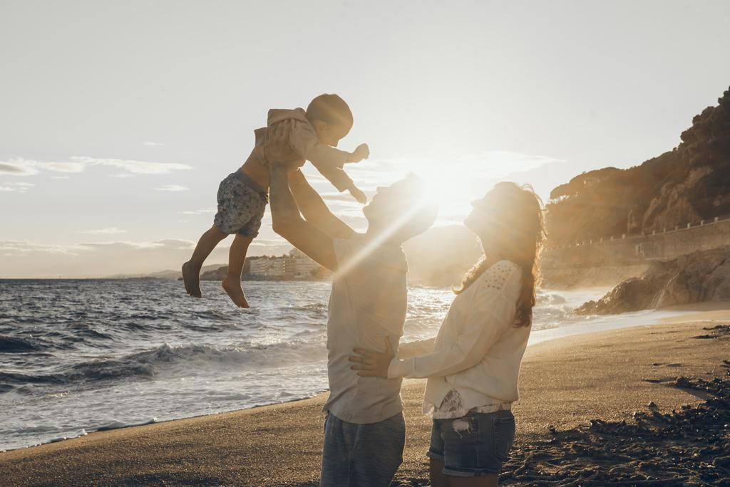 helena-molinos-fotografia-exterior-playa-familia-familiar