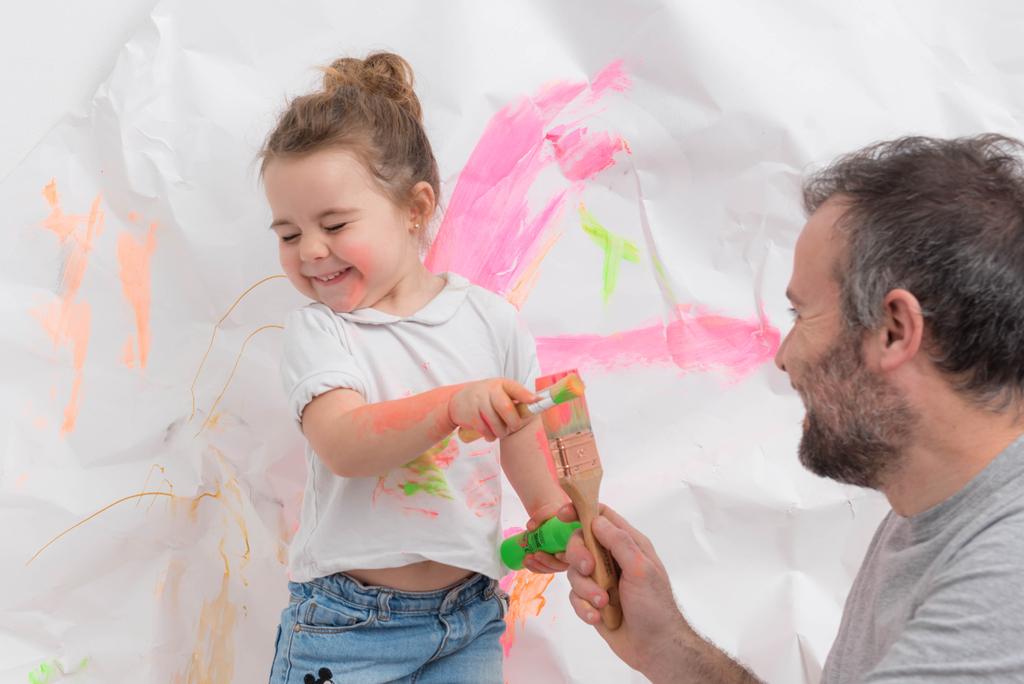 helena-molinos-papa-smash-painting