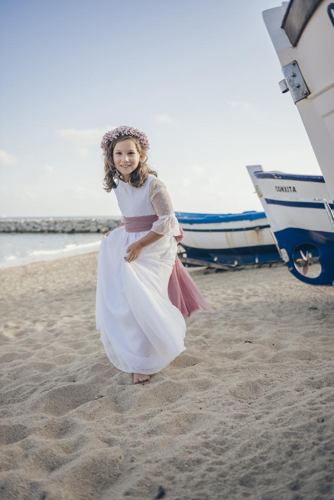 helena-molinos-primera-comunion-barco-exterior-playa