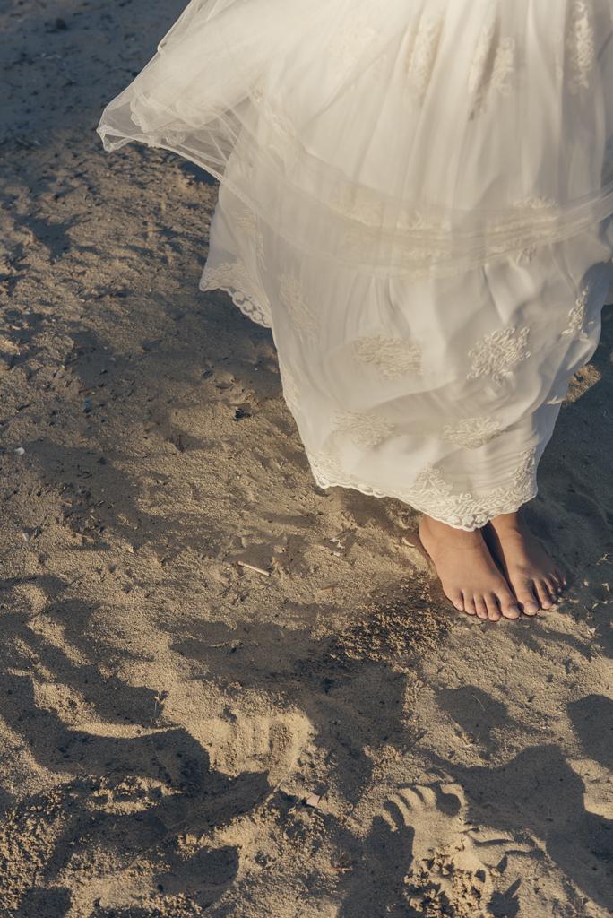 helena-molinos-sesion-comunion-playa-exterior-pies