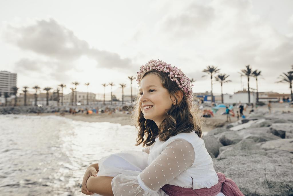 helena-molinos-sesion-exterior-playa-mataro-primera-comunion