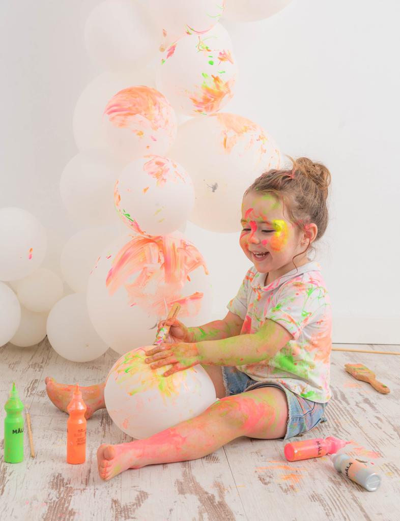 helena-molinos-smash-painting-globo-tres-años