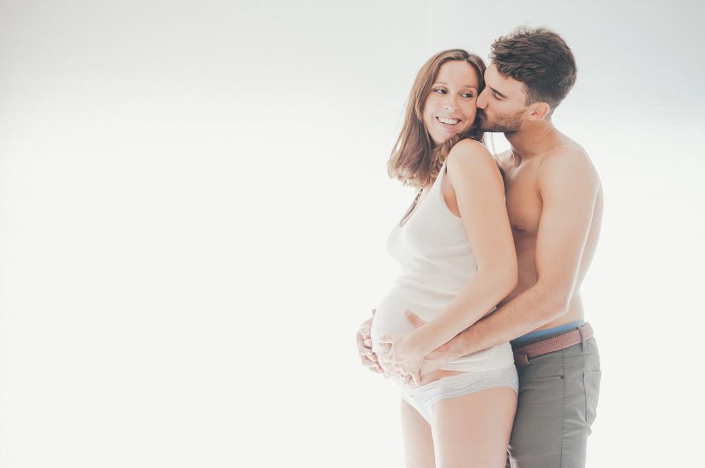 matrimonio-sesion-casa-beso