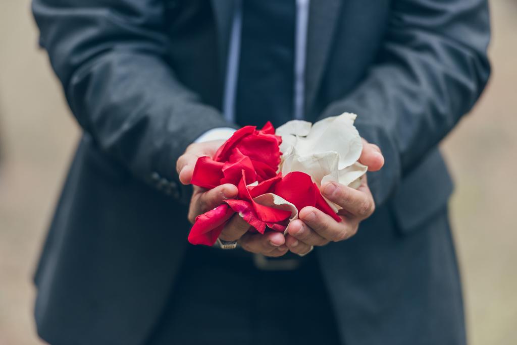 petalos-detalle-ceremonia-boda
